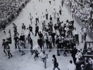 Agosto 1966 - Proteste davanti al Verrocchio 2